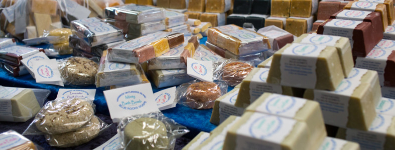 Had a great day at the Flinders Show enjoyed setting up a long line of soap varieties & showing off my wares.  It was good to meet new faces & catch up with the old, all the talking & grinning left me quite pooped by the end of the day but it was fun.